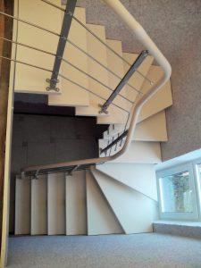 Белая модульная лестница