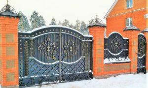 кованые ворота калитка и забор