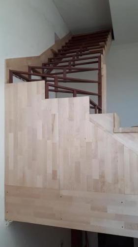 Металлокаркас для деревянной лестницы