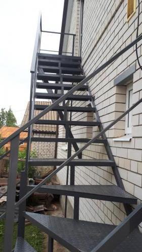 Технологическая лестница для дома