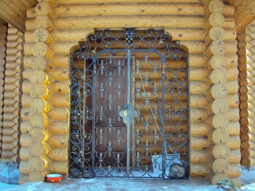Кованая калитка в тамбур (монастырская вязь) Art-Master.Kovka г.Владимир