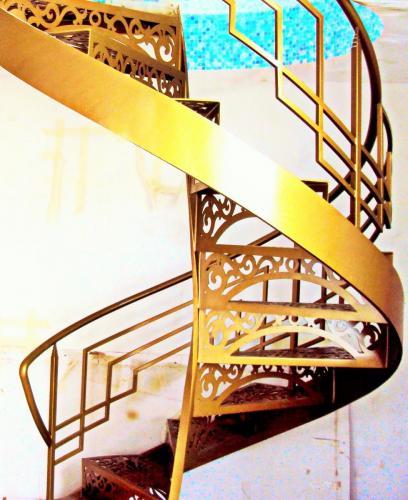 КП Малая Италия Винтовая лестница 2