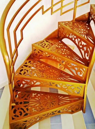 КП Малая Италия Винтовая лестница 4